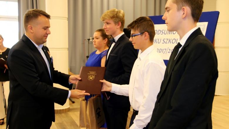 Prezydent i najlepsi uczniowie